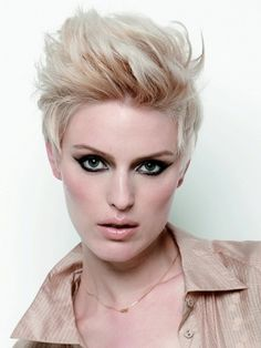 Best Hairstyles for Diamond Face Shapes - It has become common knowledge that the best way to ensure the success of a hairstyle is to learn to make a selection based on the main characteristics of our face shape. Those who have a diamond face shape should consider themselves very lucky as there is a multitude of styles that can suit them. Check out the best hairstyle alternatives for the diamond face shape.
