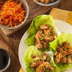 Honey Sesame Chicken - Serves 6 Ingredients: 5 chicken breast fillets, skinless, cut into bite-sized sized cubes 1/4 cup low sodium chicken broth, o sugar added 1/4 cup roasted sesame seeds 1/4 cup raw honey For each serving: Fresh lettuce leaves of choice Shredded carrots Scallions Liquid aminos, coconut aminos, or...