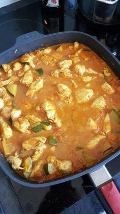 Wyborny kurczak po indyjsku - Mocne Kalorie Diet Recipes, Snack Recipes, Healthy Recipes, Healthy Meals, Indian Kitchen, Home Food, I Foods, Asian Recipes, Food Photography