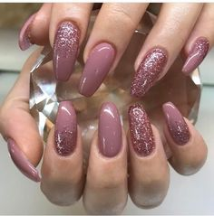 Adorable color of trendy nail polish 2019 . Informations About Adorable couleur de vernis ongles t Cute Acrylic Nails, Glitter Nails, Fun Nails, Acrylic Gel, Pink Glitter, Nagellack Trends, Nagel Gel, Purple Nails, Stylish Nails