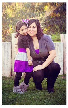 Cuteness! Sweet mother/daughter session - great poses here!!