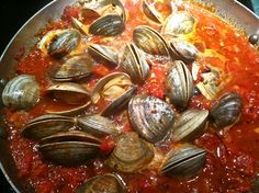 Cooking Clams in the Shell | Italian Sauteed Clams and Tomatoes recipe, Italian Food Recipes