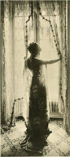 renatasim: Les Createurs de La Mode 1910-1911. Callot Sisters Salon (via I.C.W.A.T.T)