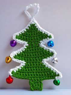 This article features awesome crochet patterns for Christmas tree appliques that are absolutely free! Crochet these free Christmas tree patterns for yourself or to give away as presents! Crochet Tree, Christmas Tree Pattern, Christmas Applique, Crochet Christmas Ornaments, Christmas Tree Crafts, Christmas Crochet Patterns, Crochet Gifts, Crochet Granny, Crochet Cowl Free Pattern