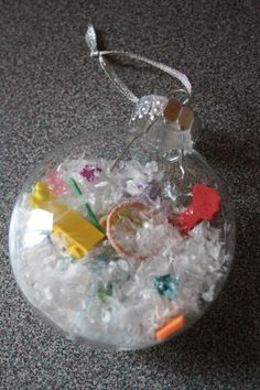 Easy Christmas crafts for kids - happy hooligans ... Glass bulbs may be more than we want to spend?