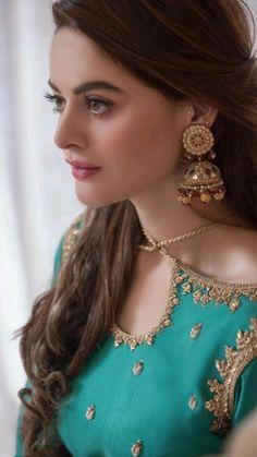 Pakistani Wedding Outfits, Pakistani Dresses Casual, Pakistani Bridal Dresses, Pakistani Dress Design, Bridal Outfits, Pakistani Clothing, Indian Dresses, Fancy Dress Design, Bridal Dress Design