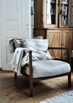 this chair would be a nice alternative if i cant find vintage