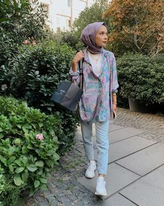 Hijab Chic, Casual Hijab Outfit, Casual Outfits, Muslim Fashion, Modest Fashion, Hijab Fashion, Fashion Outfits, Womens Fashion, Mode Simple