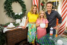 Maria Provenzano has a DIY to get you in the holiday spirit with this colorful DIY. Home And Family Crafts, Home And Family Tv, Home And Family Hallmark, Hallmark Homes, Family Video, Christmas Crafts, Christmas Ideas, Mason Jar Diy, Snowball