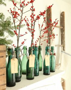 28 Insanely Easy Christmas Decorations To Make In A Pinch is part of Natural Christmas decor - For the festive procrastinator, add holiday cheer with very little effort Noel Christmas, Simple Christmas, All Things Christmas, Winter Christmas, Christmas Crafts, Green Christmas, Thanksgiving Holiday, Vintage Christmas, Christmas Greetings