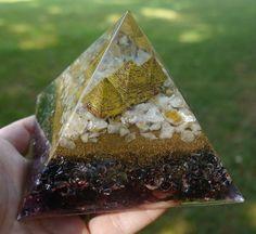 Orgone Energy Pyramid - GIZA - Fractal embedded orgone Giza plateau - Citrine, quartz, shungite, iron oxide
