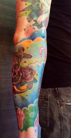 Un po' di sfondo.. Lo finiremo sto braccio Davide!?  Tattoo Artist: Mari Fina  Tatuaggio a colori http://www.subliminaltattoo.it/prodotto.aspx?pid=09-TATTOO&cid=18  #marifina   #subliminaltattoofamily   #sfondocolorato   #armtattoo   #tatuaggio   #colortattoo   #nuvole