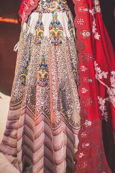 Anamika Khanna Couture 2017 Designer Bridal Lehenga, Indian Bridal Lehenga, Pakistani Bridal Wear, New Lehenga Design, Lehenga Designs, Red Lehenga, Anarkali, Sharara, Indian Dresses