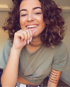 ♕pinterest and insta/@mayaxgrce Curly Hair Cuts, Short Curly Hair, Curly Girl, Wavy Hair, Curly Hair Styles, Natural Hair Styles, Malu Trevejo Outfits, Hair Inspo, Hair Inspiration