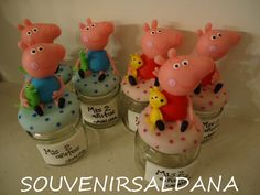 souvenirs de peppa pig Peppa Pig, Biscuits, Maria Alice, Discovery, Desserts, Kids, 3 Year Olds, Mason Jars, Cold Porcelain