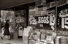 Old Picture of the Day: Grocery store, Salem, Illinois - Look at those prices! Old General Stores, Old Country Stores, Old Pictures, Old Photos, Vintage Photographs, Vintage Photos, Store Windows, Vintage Ads, Vintage Stores