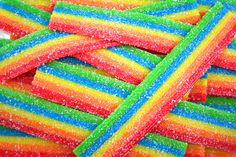 Find images and videos about food, rainbow and candy on We Heart It - the app to get lost in what you love. Candy Wallpaper, Food Wallpaper, Tumblr Wallpaper, Iphone Wallpaper, Rainbow Aesthetic, Aesthetic Colors, Aesthetic Food, Aesthetic Pictures, Rainbow Food