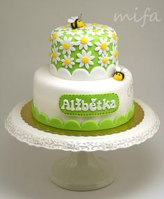 Daisies and Bees Cake