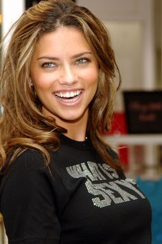 adriana lima | differences in gingival height incisal edges and protrusion