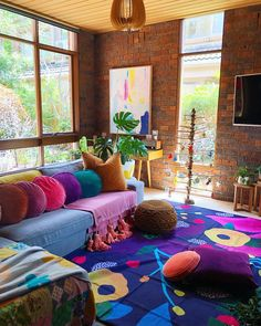 Retro Home Decor Ethnic Home Decor, Indian Home Decor, Retro Home Decor, Diy Home Decor, Indian Living Rooms, Colourful Living Room, Paint Colors For Living Room, Colorful Apartment, Living Room Decor Inspiration