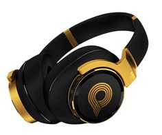 AKG's top-of-the-line headphones were inspired by music producer Quincy Jones. They offer audiophile-grade sound, automatic self-calibration, adjustable equalization and active noise cancellation tech. Out Summer Noise Cancelling Headphones, Beats Headphones, Over Ear Headphones, Studio Equipment, Studio Gear, Best Home Theater System, Digital Projection, Quincy Jones, Sound Stage