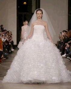 Georges Chakra, Christian Lacroix, Formal Wedding, Wedding Gowns, Wedding Flowers, Dream Wedding, Wedding Ideas, Elie Saab, Evening Dresses