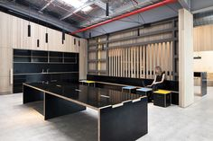 industrial shell into an office : Unit 2 for Goodman by Make Creative Office Inspo, Cool Office, Workshop Studio, Real Estate Office, Co Working, Learning Spaces, Coworking Space, Commercial Interiors, Office Interiors