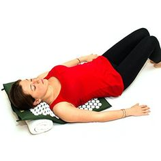 Amazon.com: Best Acupressure Mat & Pillow Set - SALE - Effective Remedy for Pain and Stress Relief - With Magnet Therapy - FREE BONUSES: Carry Bag & Reflexology Foot Chart - LIFETIME MONEY BACK - ZenGuru (Green): Health & Personal Care