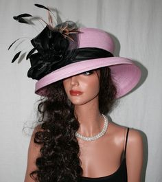 kentucky derby hat style party too Derby Attire, Derby Outfits, Outfits With Hats, Kentucky Derby Fashion, Kentucky Derby Hats, Fancy Hats, Cool Hats, Ladies Hats, Hats For Women