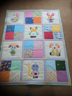 Best 11 Cot quilt or play mat – SkillOfKing. Baby Patchwork Quilt, Cot Quilt, Baby Quilts, Quilting Projects, Quilting Designs, Sewing Projects, Baby Applique, Applique Quilts, Baby Clothes Quilt