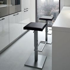 The perfect balance of minimalist lines with modern design, the YumanMod Cult Air Adjustable Bar Stool is a must-have for clean, contemporary. Contemporary Dining Table, Modern Dining Chairs, Modern Table, Dining Furniture, Contemporary Design, Dinning Room Tables, Farmhouse Table Chairs, Dark Blue Living Room, Restaurant Chairs For Sale
