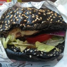 #BLACKBURGER #metalleuxburger #andywarholburger #burger #black #exposition #andywarhol #Paris #socool #sogood #231east