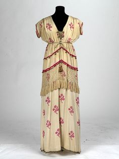 """Costume designed by Norman Wilkinson, worn by Lilliah McCarthy as Helena in """"A Midsummer Night's Dream"""", 1914."""