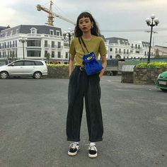 Pin by Michelle Li on fits that slap in 2019 Fashion Week, Look Fashion, 90s Fashion, Korean Fashion, Fashion Outfits, Womens Fashion, Cool Outfits, Summer Outfits, Beautiful Outfits