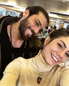 Can Yaman and Demet Özdemir Turkish Men, Turkish Beauty, Turkish Actors, Melissa & Joey, Bollywood Wedding, Jane The Virgin, Beard Lover, Early Bird, Pretty Little Liars