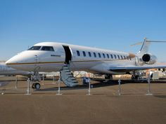 Bombardier's next generation $73 million Global 7000 private jet just made its air show debut (BBD.B) #privatejet