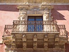 A sicilian baroque balcony !