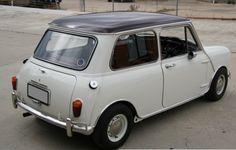 Burgundy over Toga White Morris Mini Cooper S MK1 Australia 2.png