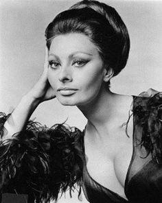 "Learn more about luscious style icon and actress, Sophia Loren (originally ""Sofia"" Loren) and enjoy our Sophia Loren photo gallery. Carlo Ponti, Divas, Estilo Sophia Loren, Most Beautiful Women, Beautiful People, Beautiful Person, Viejo Hollywood, La Madone, Cinema"