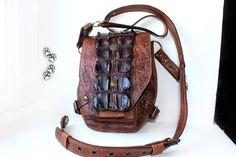 сумка на плечо, на ремень  натуральная кожа крокодил ручная работа / genuine crocodile leather shoulder waist bag handmade