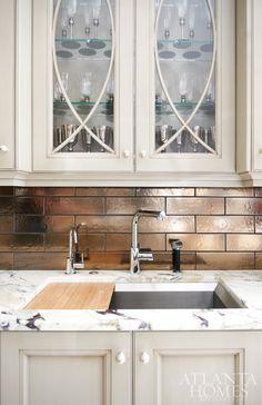Design by Matthew Quinn, Design Galleria Kitchen and Bath Studio, and Bill Stewart, William Stewart Designs. Architecture by Oliver Carter   Photography by David Christensen   Atlanta Homes & Lifestyles  