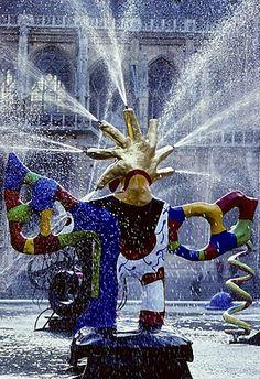 Spraying fountain, L'Oiseau de Feu, Fontaine Strawinsky by sculptor Niki de Saint Phalle, Centre Pompidou, Paris