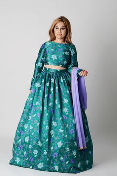 Our evening version of that amazing all-over floral. Perfectly flowing pure crepe with the subtle golden pearl trim on the dupatta. Such a classic print for summer! Anarkali, Indian Fashion, Pure Products, Floral, How To Wear, Pearl, Shades, Classic, Amazing