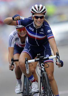 27 sept. 2014 - La Française Pauline Ferrand-Prevot, 22 ans, est devenue championne du monde de cyclisme sur route, samedi après-midi, sur le circuit de Ponferrada, en Espagne. (Photo Miguel Riopa. AFP)