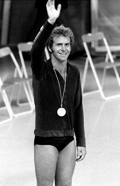 Klaus Dibiasi (tuffi), portabandiera italiano alle Olimpiadi di Montreal del 1976, in una foto scattata durante le Olimpiadi di Monaco del…