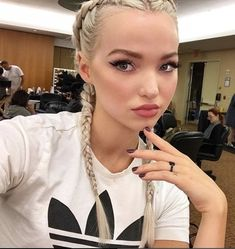 How to get perfect, plump lips like Dove Cameron. #fashion #style #outfit #lips #lipstick #hair #dovecameron #makeup