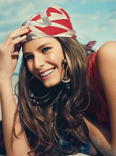 画像 : この夏はバンダナを使ったヘアアレンジ!海外女性のコーデ【作り方あり】 - NAVER まとめ