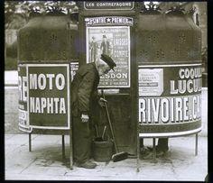 Public toilet cleaner - Professions Of Paris In The Early Twentieth Century Page 2 of 2 Best of Web Shrine Paris France, Paris 1900, Old Paris, Old Pictures, Old Photos, Vintage Photographs, Vintage Photos, Paris Vintage, Photo Vintage