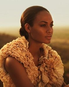 Joan Smalls                                                 youtube downloader