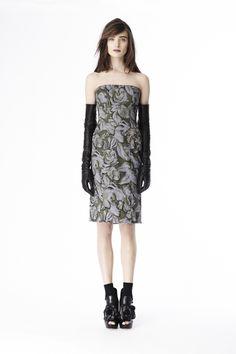 Vera Wang Pre-Fall 2014 - Review - Fashion Week - Runway, Fashion Shows and Collections - Vogue